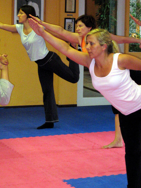 Power_Yoga_Budosportcenter_Muenster.jpg